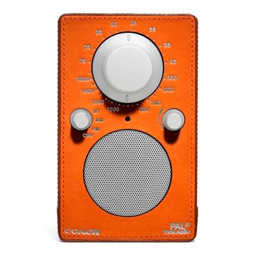 Radio forrada de cuero